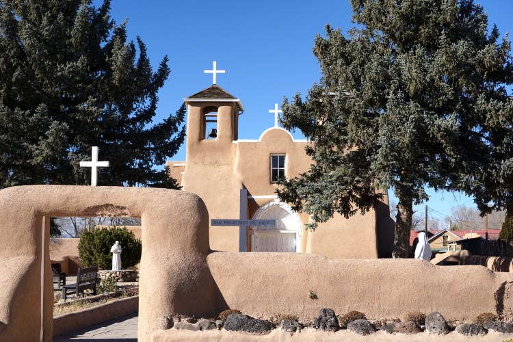 San Francisco de Asís Church, Taos, New Mexico, USA © 2018 ericarobbin.com | All rights reserved.