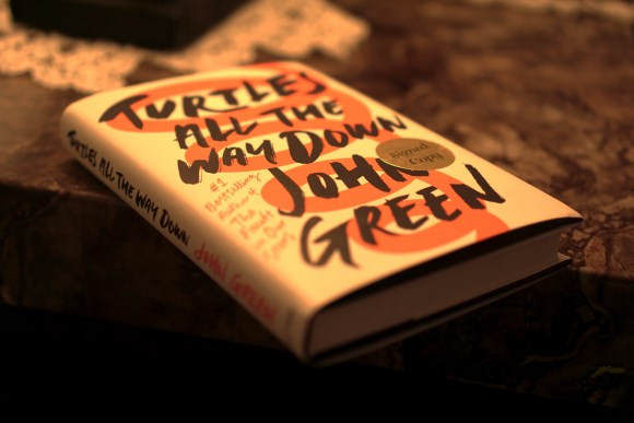 Turtles All the Way Down by John Green book dust jacket © 2018 ericarobbin.com | All rights reserved.