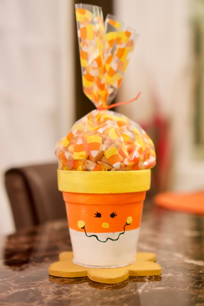 Candy Corn Pots © 2018 ericarobbin.com | All rights reserved.
