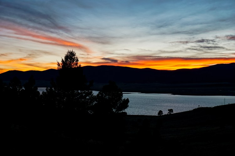 Sunset, Eagle Nest Lake State Park, New Mexico, USA © 2018 ericarobbin.com | All rights reserved.