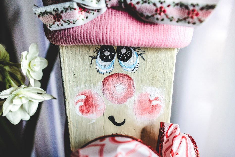 Adorable Wooden Valentine's Day Craft Decor Close Up Face | Erica Robbin