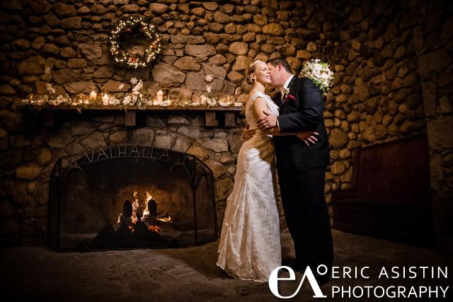 Winter_Wedding_SouthLakeTahoe_TallacHistoricEstate_VahallaLodge_Fireplace_Interior_ChristmasTree_Ornamets_Snowflakes_001