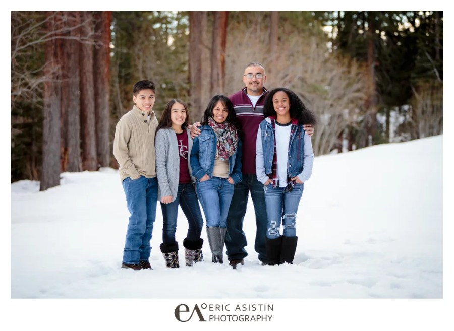 WINTER FAMILY PORTRAIT SESSION NORTH LAKE TAHOE INCLINE VILLAGE SAND HARBOR