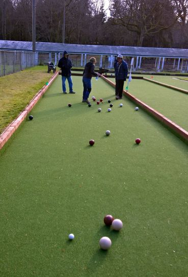 Five player Seattle Double-Tap Bocce.