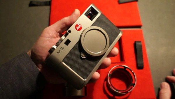 Leica M9 Titanium Unboxed In All Its Sexiness