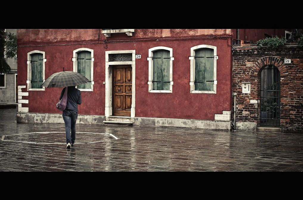 The 13 Most Inspirational Street Photographs in the Rain
