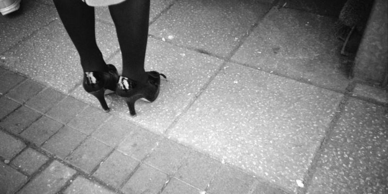8 Inspirational Street Photographs of Feet