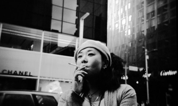 Featured Street Photographer: Paolo Patrizi, on the Streets of Ginza with a Toy Camera and Cosmopolitan Japanese Women