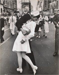 Alfred Eisenstaedt Street Photography Kiss New York