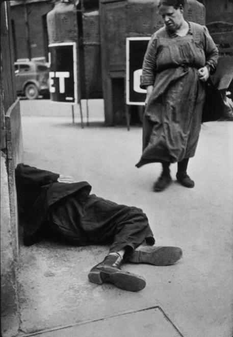 Henri Cartier-Bresson generally advocated against taking photos of the homeless. However he took photos of them at certain times too. Photograph by Henri Cartier-Bresson