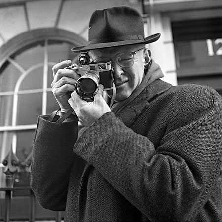 Henri Cartier-Bresson shooting on the streets