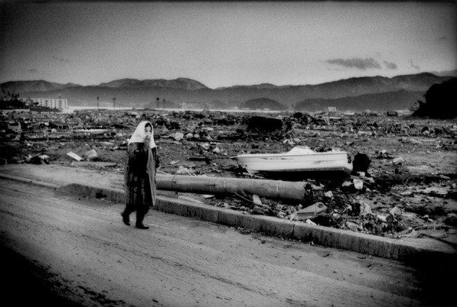 Delano_FotoEvidence_Black_Tsunami_004
