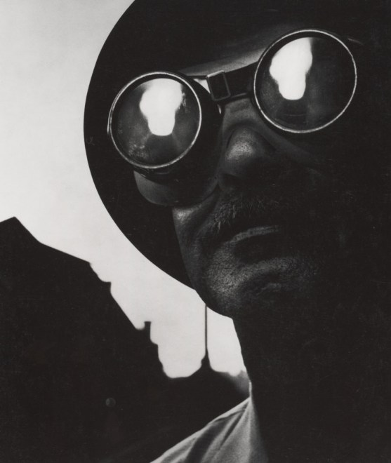 Steelworker, Pittsburg, 1955. Copyright: Magnum Photos