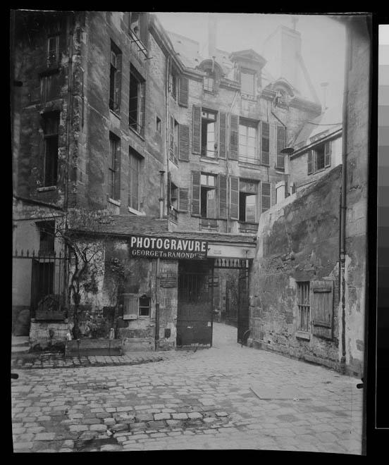 Cour de Rouen - passage du Commerce (6e ar)