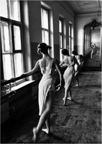 Cornell Capa. USSR. 1958. Moscow. The Bolshoi Ballet School. �