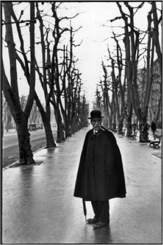 Henri Cartier-Bresson FRANCE. 1932. Marseille.  The Allée du Prado. �