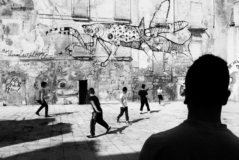 Italian Street Photography at the Forefront: An Interview with SPontanea collective (Italian Translation Available)
