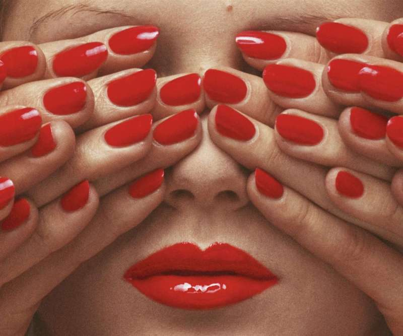 Vogue Paris, May 1970 © Guy Bourdin