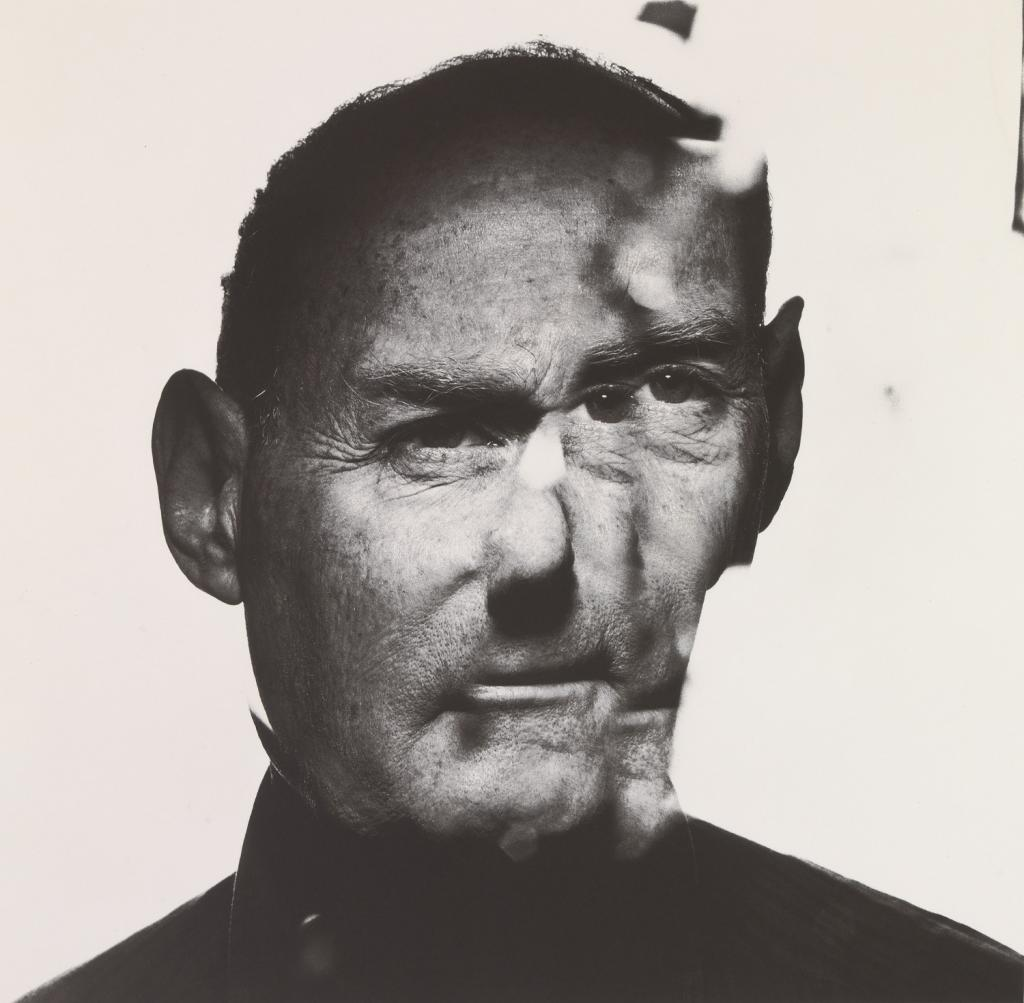 Self-portrait of Irving Penn © Irving Penn Foundation