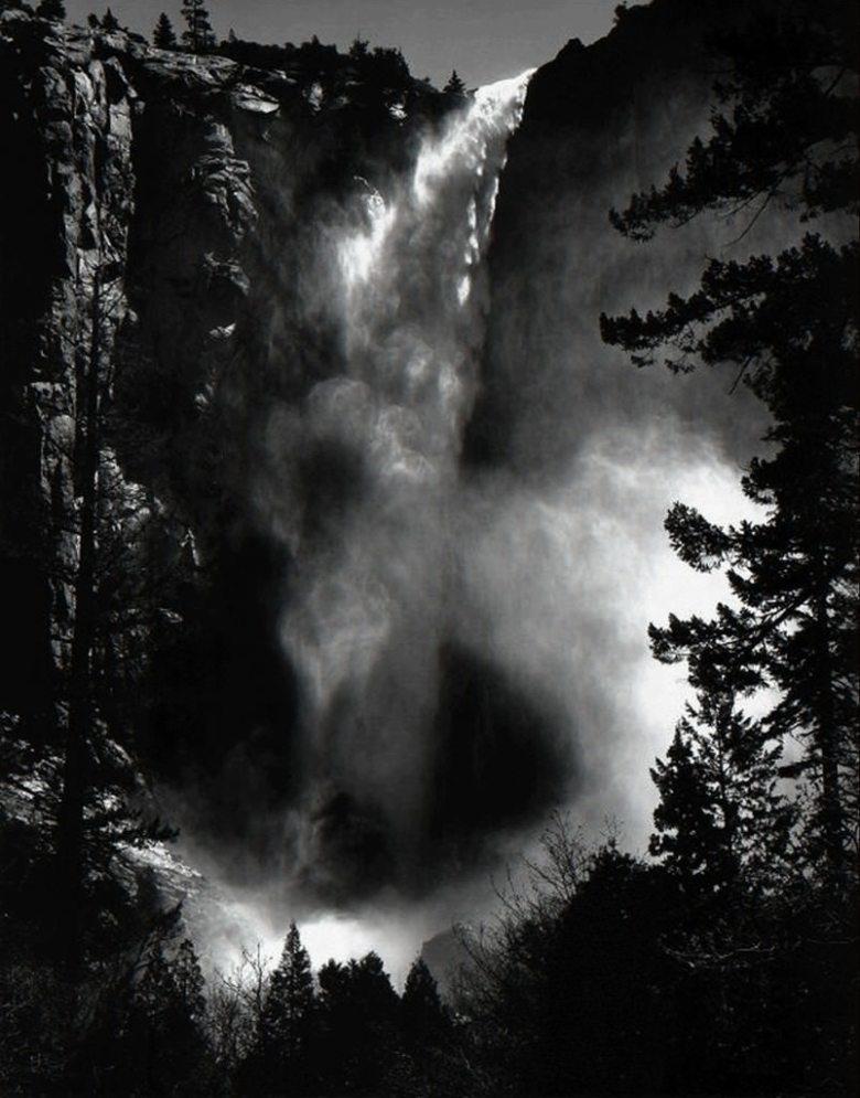 ansel-adams-black-and-white-landscape-photography-yosemite-waterfall