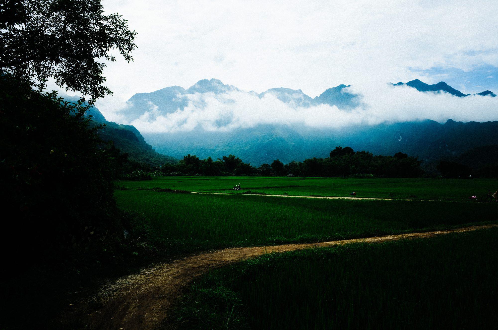 eric-kim-street-photography-hanoi-vietnam-ricoh-gr-ii-28mm-0005387