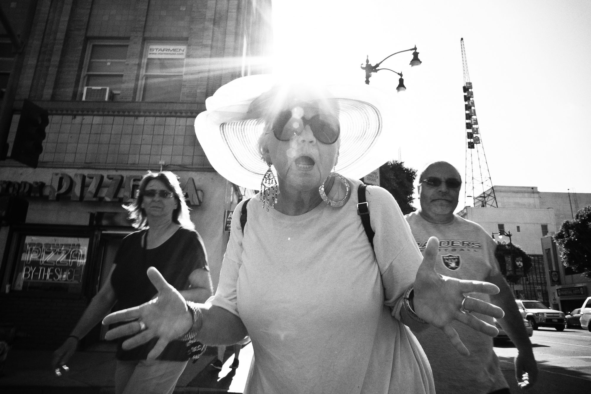 eric-kim-street-photography-jazz-hands-the-city-of-angels-2011