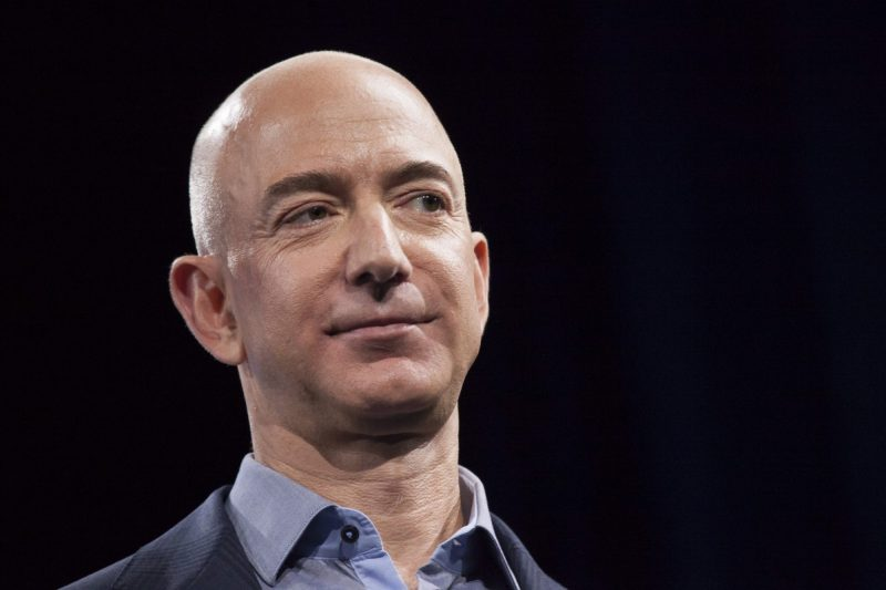 la-fi-tn-jeff-bezos-amazon-20150817