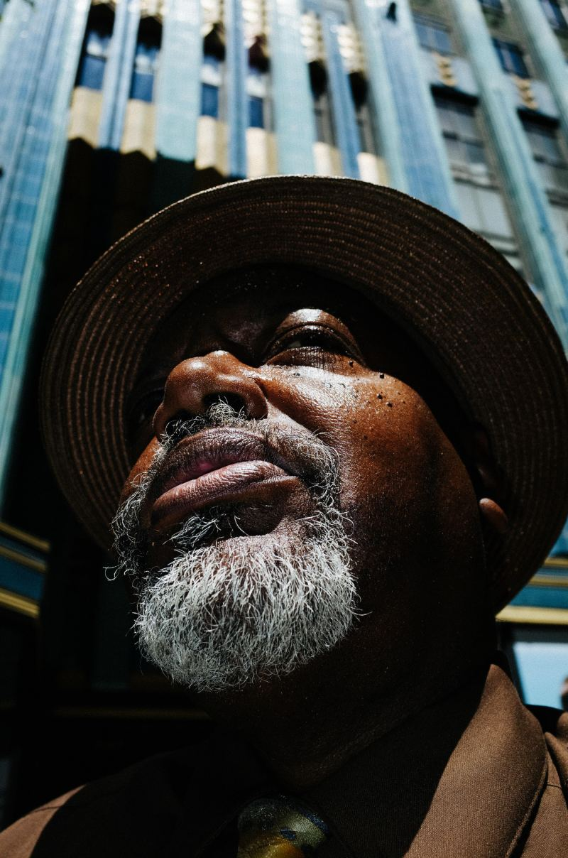 eric kim low angle street photography composition-eye-downtown la
