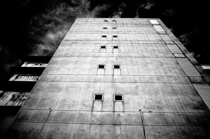eric kim low angle tokyo composition building urban landscape
