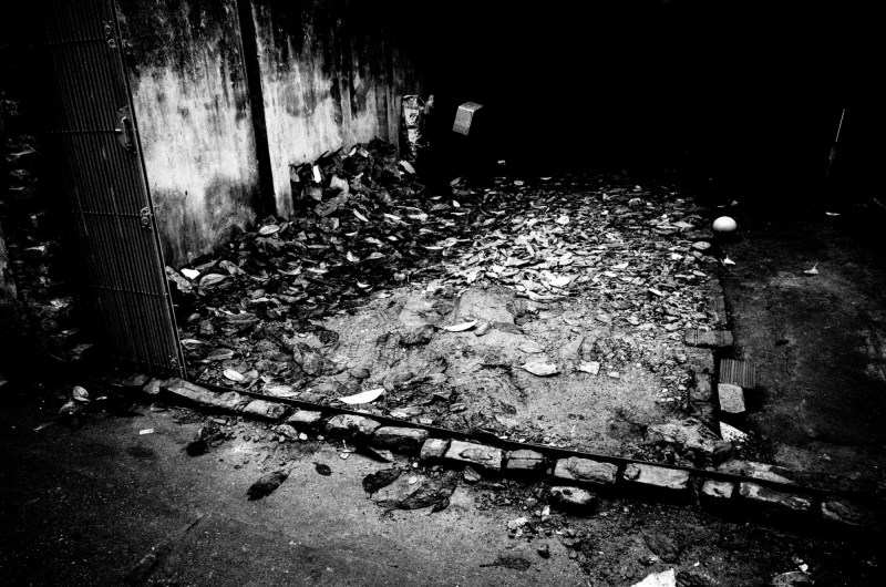 eric kim photography black and white hanoi-0009460
