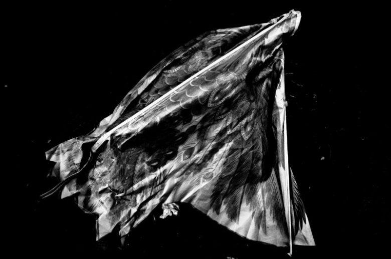 eric kim photography black and white hanoi-0009761 kite