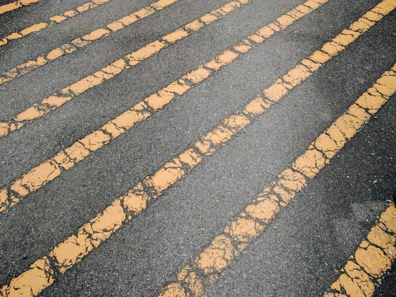 Diagonal yellow lines. Kyoto, 2017. Google Nexus 6P and HDR+. Processed with VSCO with a6 preset