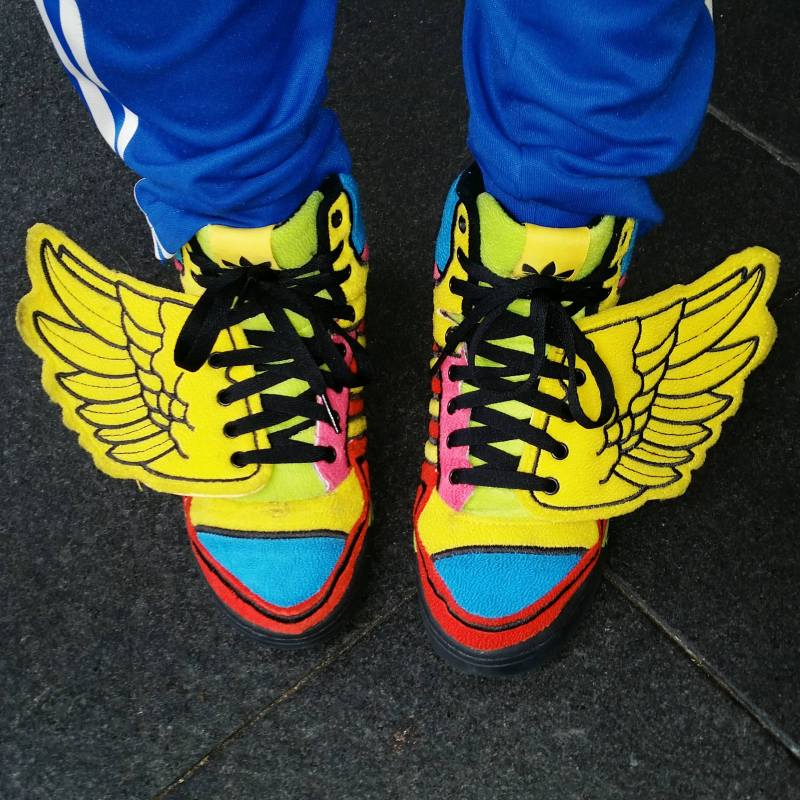 Colorful shoes with clean edges of the frame.