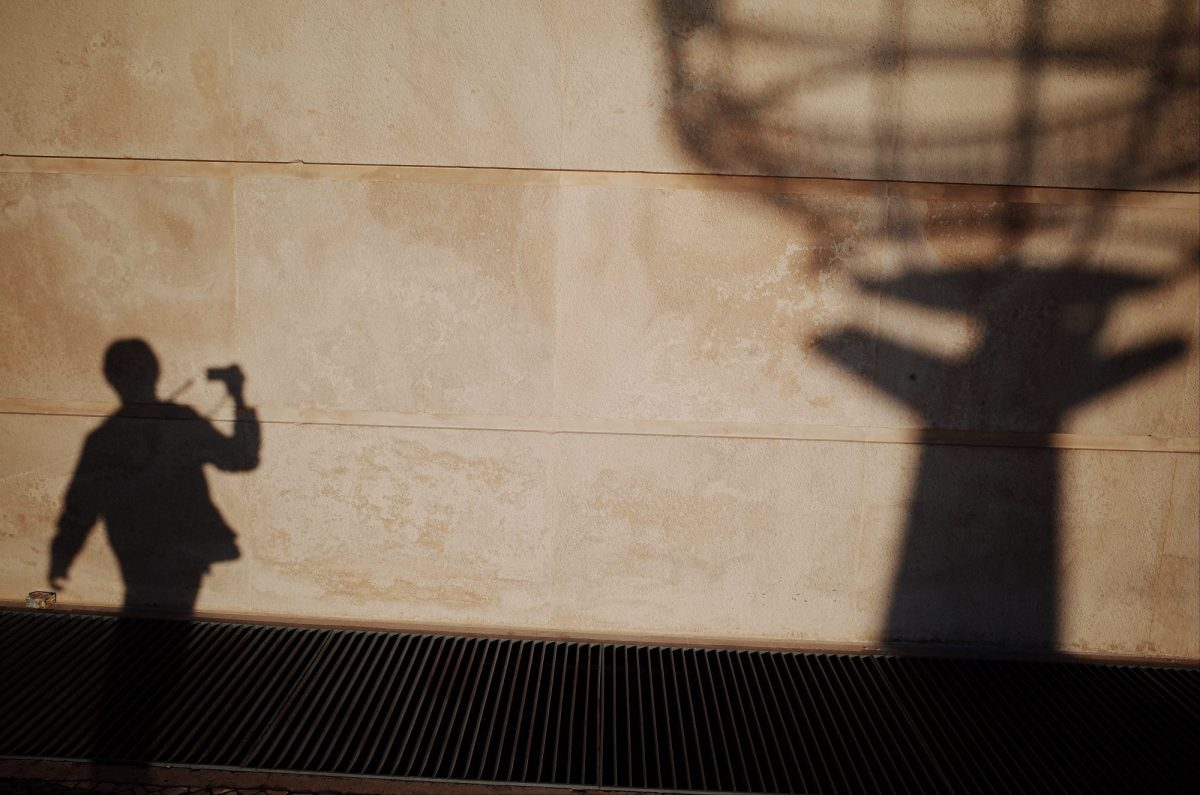 Walking selfie and globe shadow. Lisbon, 2018