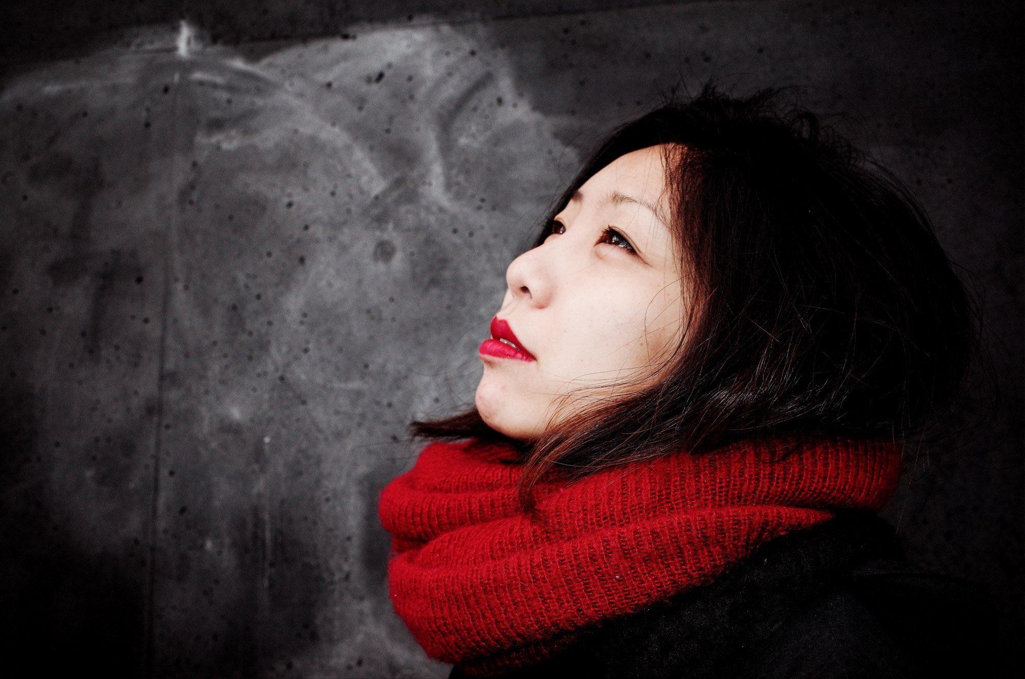 Cindy red scarf selfie