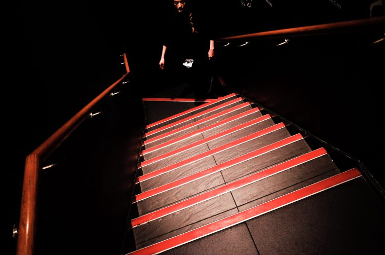 London, leading lines, red, composition