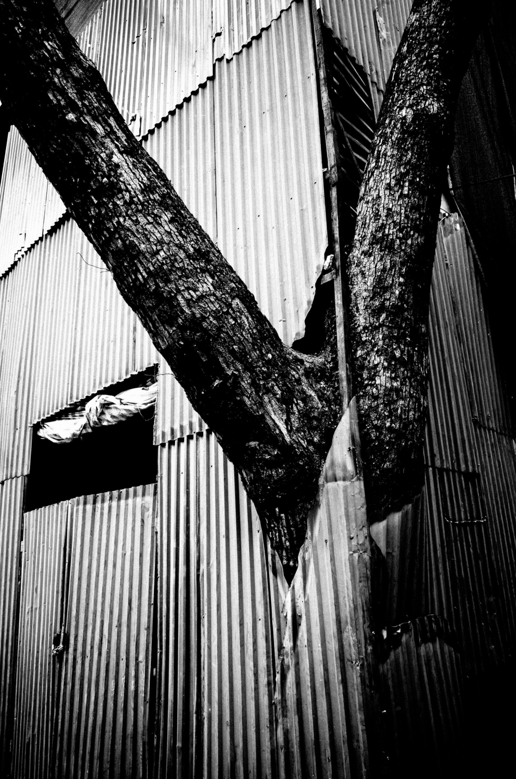 eric kim photography black and white - eric kim street photography hanoi-0008503