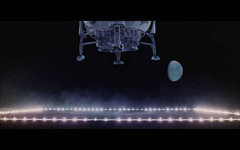 landing spaceship moon-4