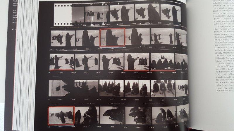 Jean Gaumy contact sheet- women burka - shooting guns3