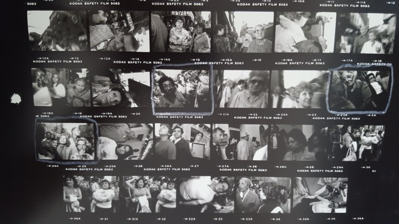 bruce gilden contact sheet - on shoulders3