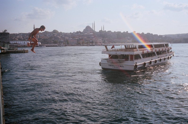 eric kim street photography istanbul - kodak portra 400 film 18