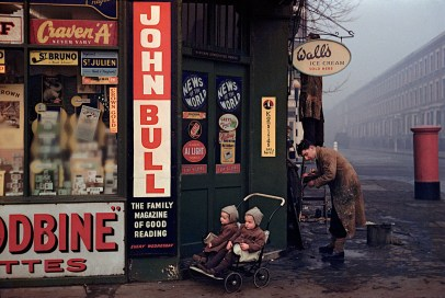 ENGLAND. London. 1954. Street corner at World's End.