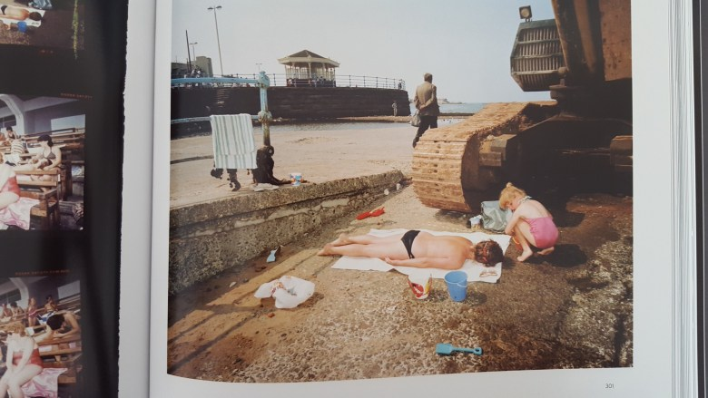 martin parr - the last resort contact sheet2