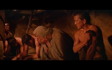 spartacus - panning top to bottom 11