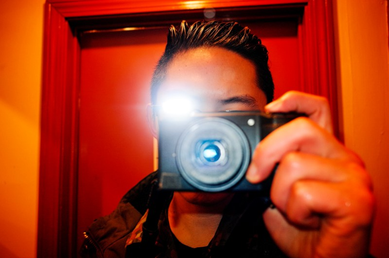 Selfie Ricoh Boston flash