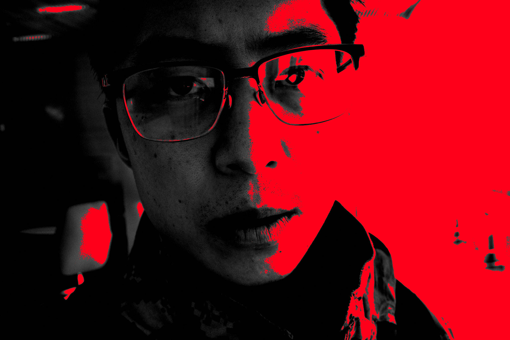 Eric kim selfie red black