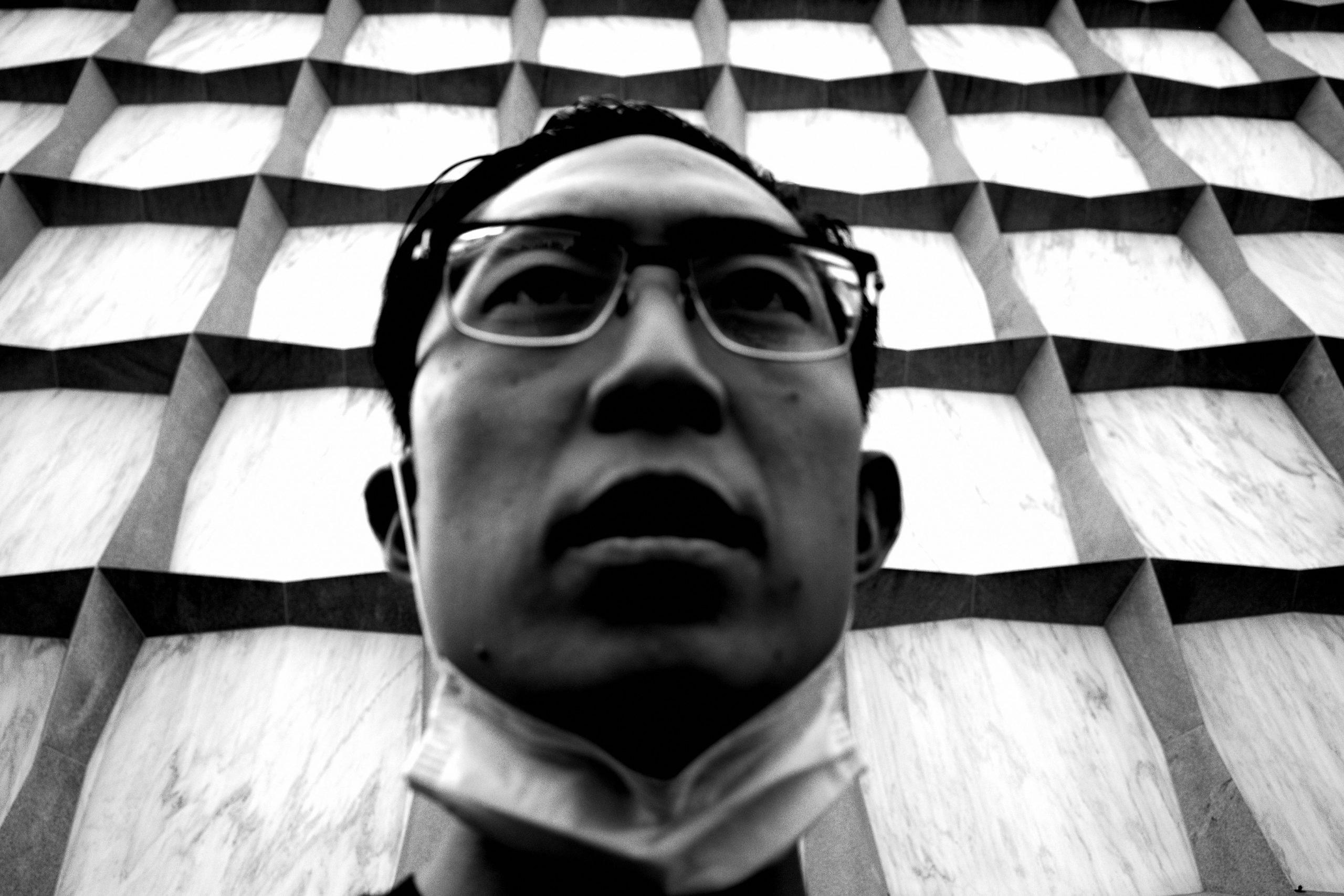 selfie ERIC KIM library