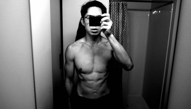 ERIC KIM Ricoh gr iii selfie topless bathroom muscle 6 pack abs