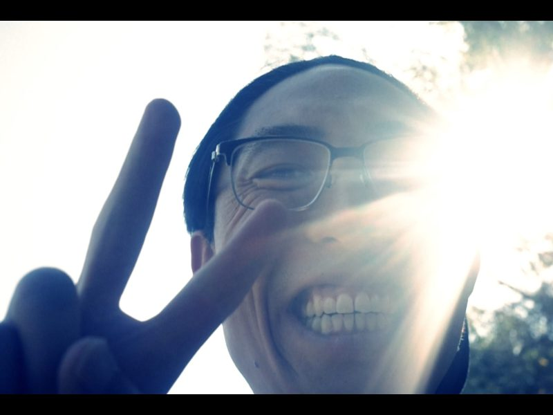 ERIC KIM PEACE SIGN LIGHT SELFIE