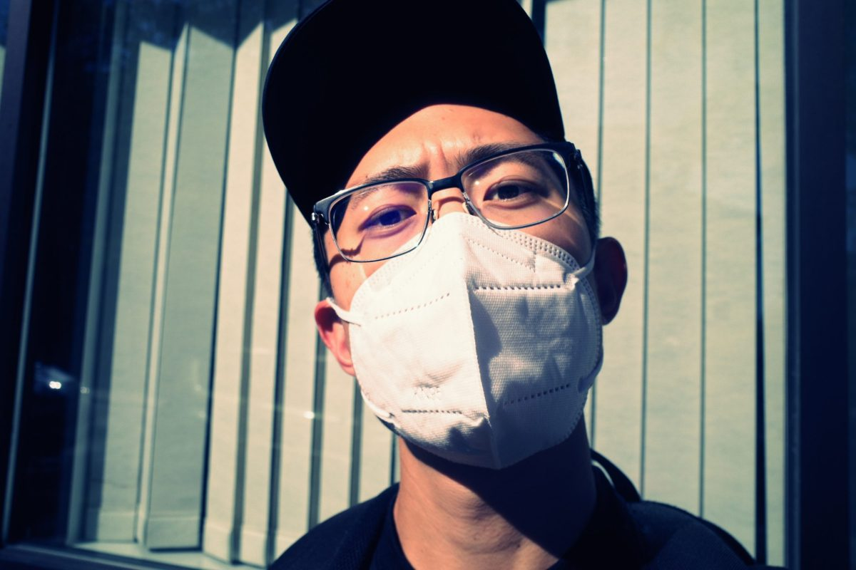 selfie ERIC KIM hat